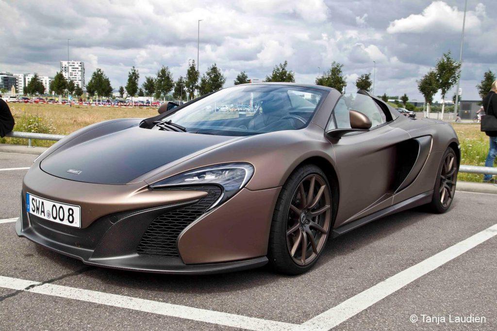 McLaren One of Seven