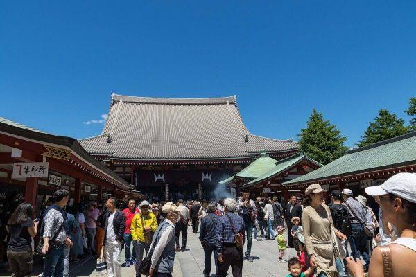 Hondo (Main hall) of the Sensō-ji, Asakusa, Tokyo, Japan
