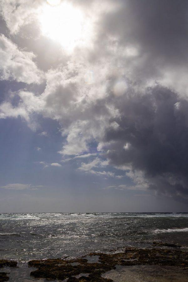 Boca Grandi Strand Aruba, aufziehende Regenwolken
